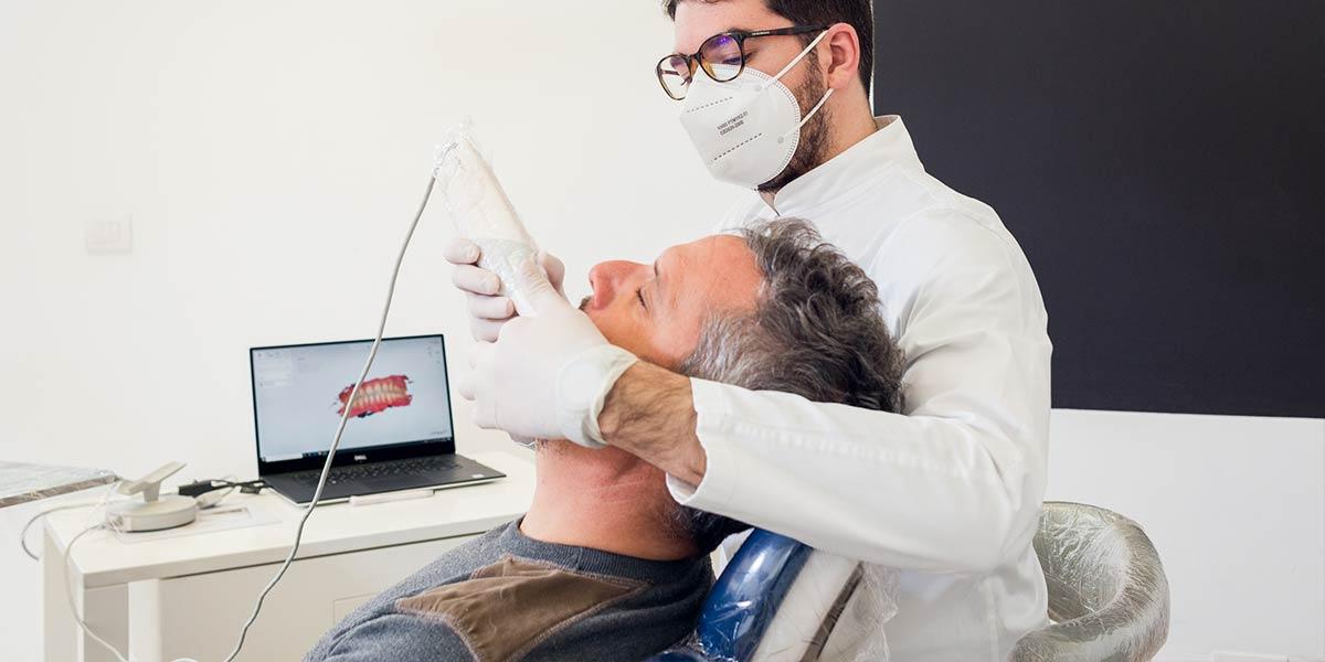 Scanner intraorale per impronte dentali in alta fedeltà - Dt Antonio Manni - Dentista - Racale - Lecce